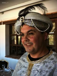 2017-01-05-cabalgata-preparativos-reyes-magos-4-firma
